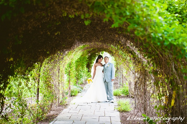 Chicago-Suburbs-Wedding-600x399